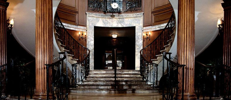 The_Union_League_Club,_staircase[1]